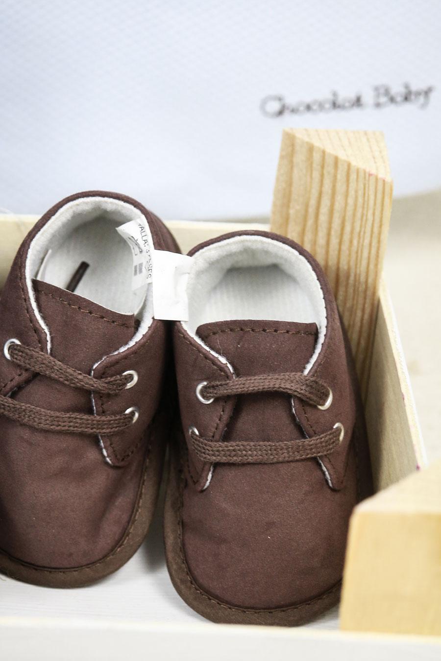 zapatitos en tonos marrones para los pequeños/as de la casa